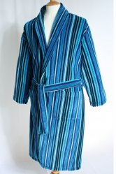 http://www.suitsmen.co.uk/suit-images/normal-size/robert-dressing-gown-1.jpg