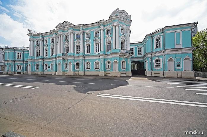 I:\Литература проект\Пушкинские места\дом комод.jpg