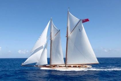 http://luxfinder.info/wp-content/uploads/2013/12/sail_yachts_19.jpg