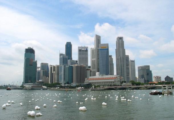 C:\Users\User\Desktop\large41-singapore-skyline-001.jpg