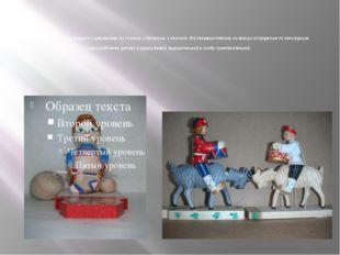 Особенно интересны игрушки с движением: на планках, с балансом, с кнопкой. Э