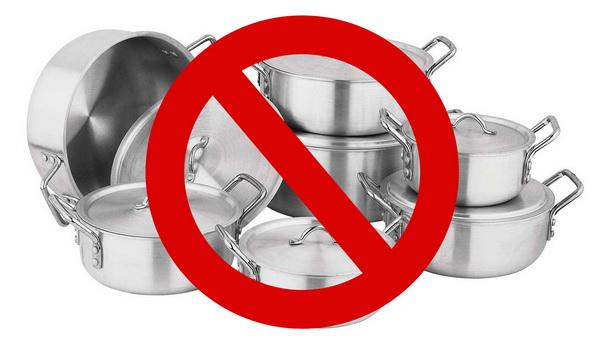 что нельзя готовить в алюминиевой посуде