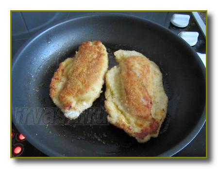 жарить куриное филе на сковороде