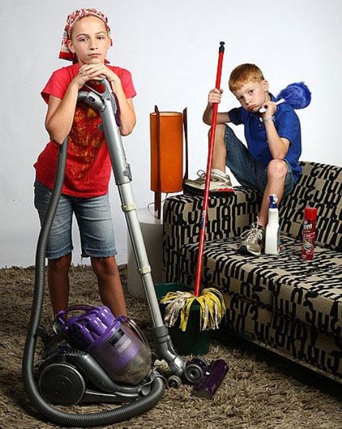 помогать по хозяйству как пишется всё