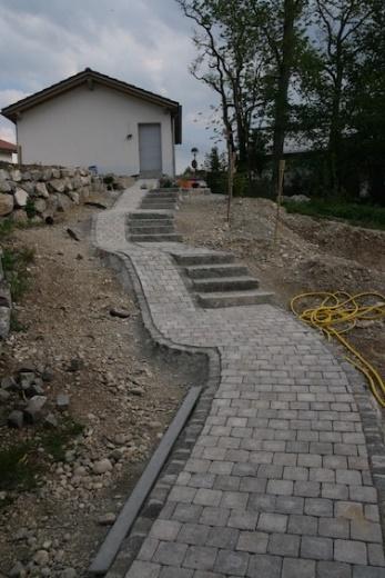 http://www.laub-werk.de/content/3-galerie/g_070-treppe-mit-rampe.jpg