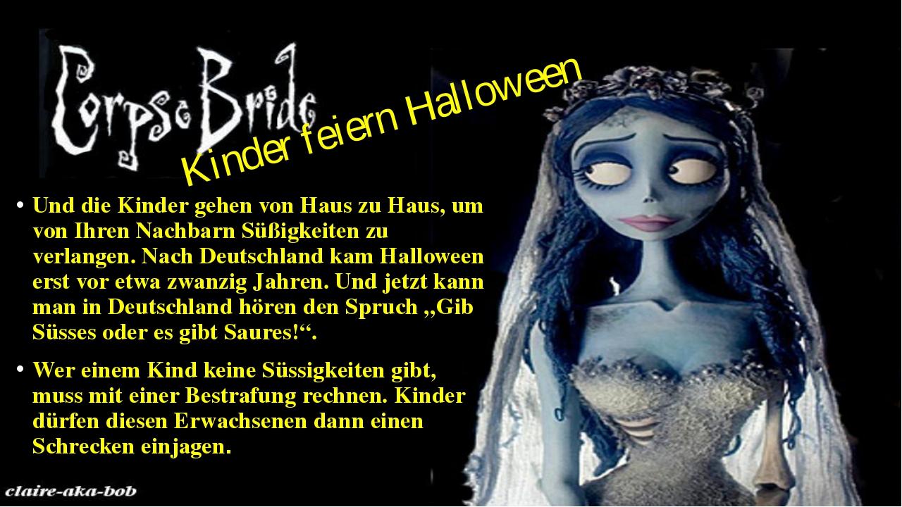 Kinder feiern Halloween Und die Kinder gehen von Haus zu Haus, um von Ihren N...