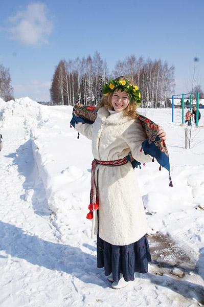 http://www.veledar.ru/images/categories/earth/zaklinanie_vesny/05.jpg