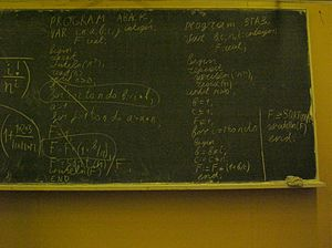 https://upload.wikimedia.org/wikipedia/commons/thumb/d/d9/Turbo_Pascal_on_blackboard.jpg/300px-Turbo_Pascal_on_blackboard.jpg