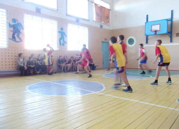 C:\Users\Андрей- П\Desktop\фото баскетбол 2015г\DSCF3547.JPG