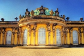http://www.ilocalised.com/images/5Germany%20Berlin%20Pottsdam%20palace.jpg