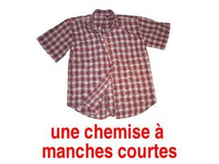 une chemise à manches courtes