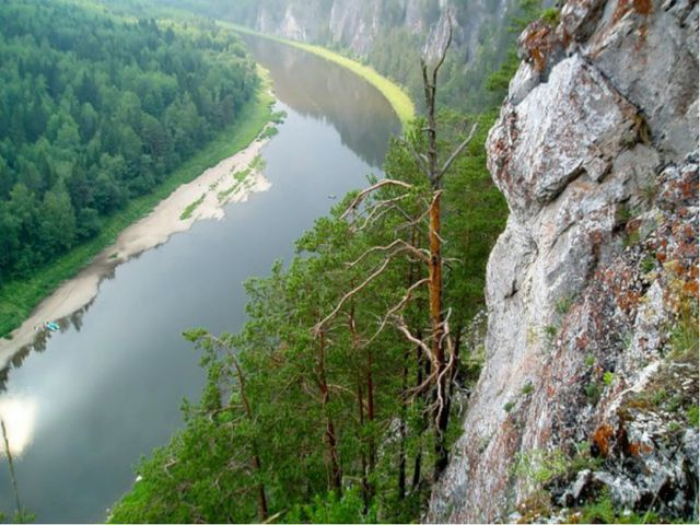 На этой реке располагается огромное количество достопримечательностей, среди...