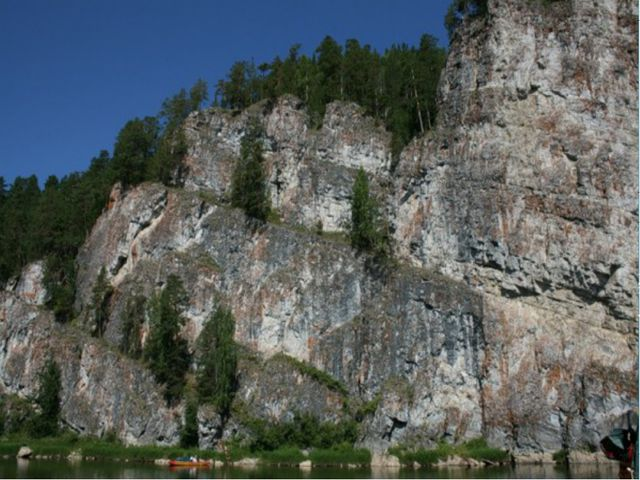 В Свердловской области одних только рек около тысячи. Самые известные это Чус...