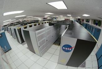 https://upload.wikimedia.org/wikipedia/commons/1/1f/Columbia_Supercomputer_-_NASA_Advanced_Supercomputing_Facility.jpg