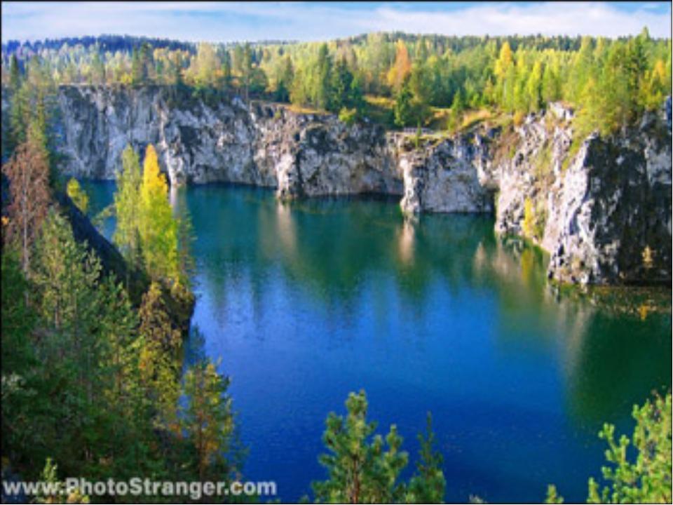 Озера бывают большие и маленькие. Вода в них не имеет течения. Почти во всех...