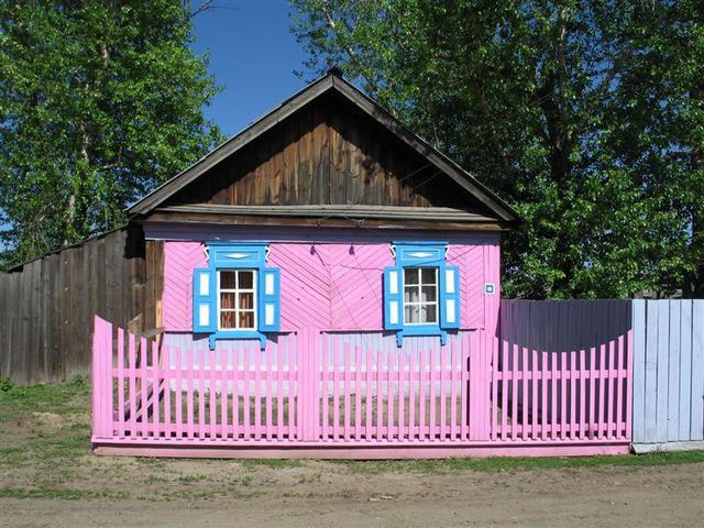http://www.blondyclub.ru/images/pinkworld/houses/liveinpink19.jpg