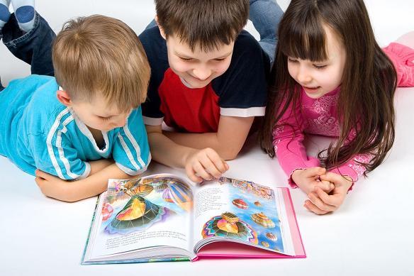 D:\Рабочий стол\1324380523_children_reading.jpg