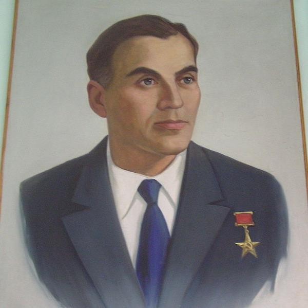 Василий Александрович Сухомлинский. Портрет в Павлышской школе