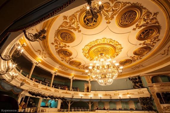 H:\иркутск.rtfd\drammaticheskij_teatr_ohlopkova_(15).jpg
