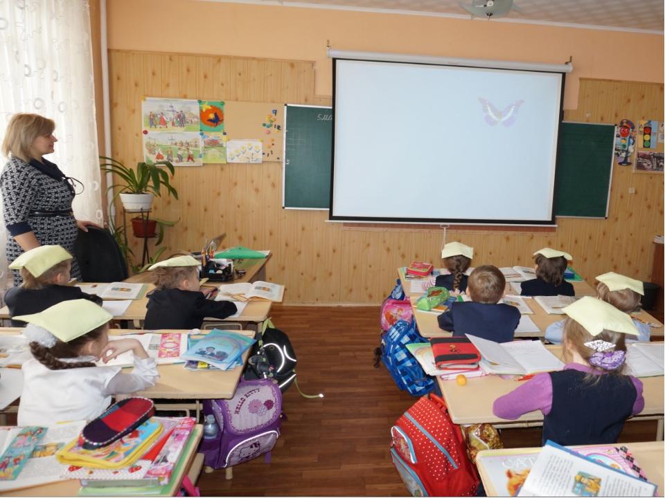 ИКТ даёт учителю Экономию времени на уроке; Глубину погружения в материал; Во...