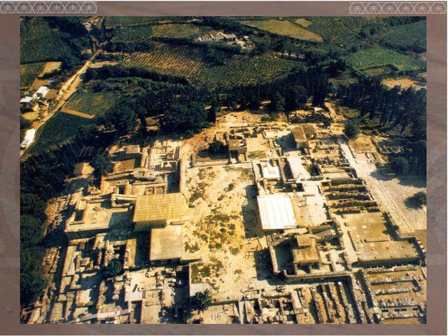 Большие размеры . Дворец имел размеры около 120 на 120 м. Нерегулярная планир...