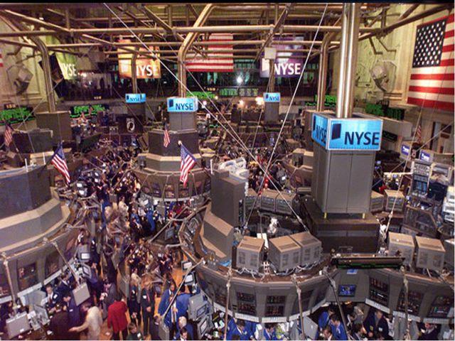 ВИДЫ МИРОВОЙ ТОРГОВЛИ Оптовая торговля Товарные биржи – купля продажа биржевы...