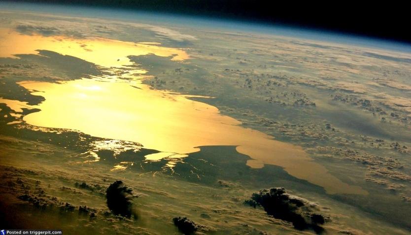 http://irishfox.ru/wp-content/uploads/2011/05/Фото-Земли-из-космоса1.jpg