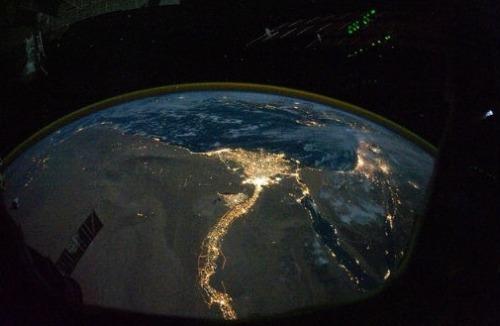 Планета Земля ночью: 22 фотографии из космоса