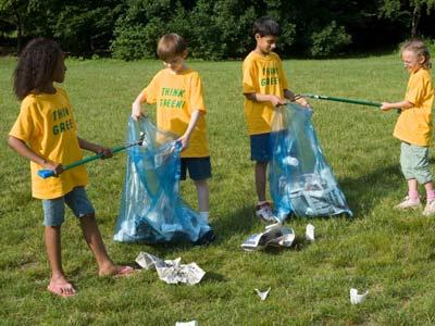 http://s.hswstatic.com/gif/volunteer-opportunities-for-kids-1.jpg
