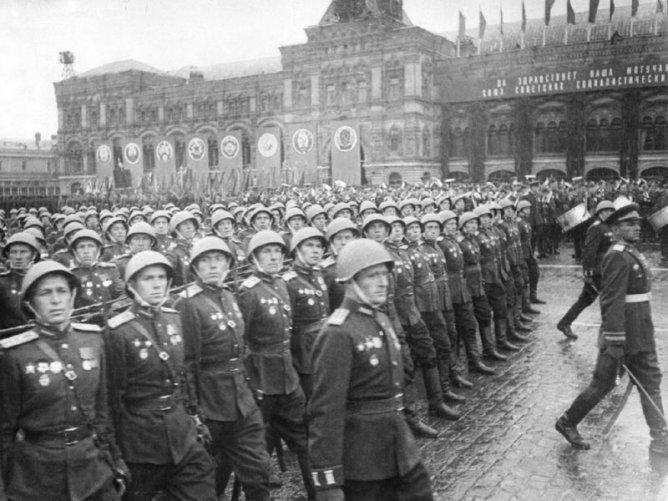 Парад Победы 1945 - Фотохроника ВОВ - Фотоальбомы - История …