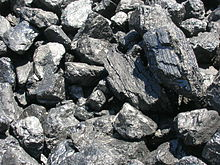 http://upload.wikimedia.org/wikipedia/commons/thumb/5/52/Coal_lump.jpg/220px-Coal_lump.jpg