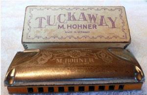 http://harmonica.ru/wp-content/uploads/2011/02/vintage-harmonica.jpg