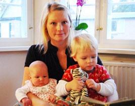 Стинне Хольм Бергхольдт (Stinne Holm Bergholdt) со своими детьми