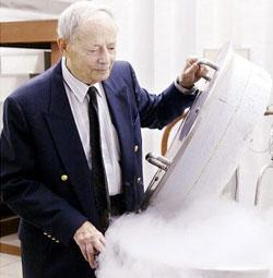 Роберт Эттингер, президент Института крионики (Cryonics Institute) и общества бессмертия (Immortalist Society), США