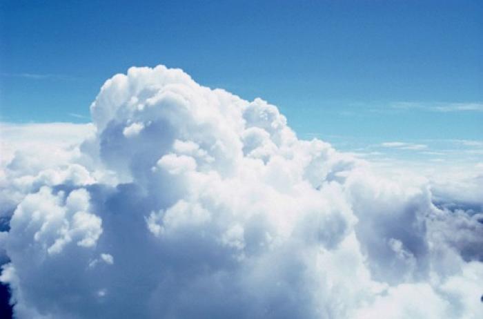 http://marketingtribal.com/sites/default/files/imagecache/FotoBlog_100porcienAncho/bizarea/cloud.jpg