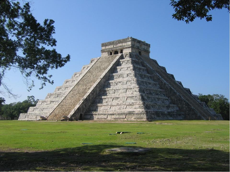 Пирамида племени майя Чичен-Итца на мексиканском полуострове Юкатан