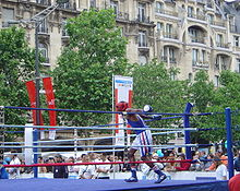https://upload.wikimedia.org/wikipedia/commons/thumb/8/80/Boxing_dsc03574.jpg/220px-Boxing_dsc03574.jpg