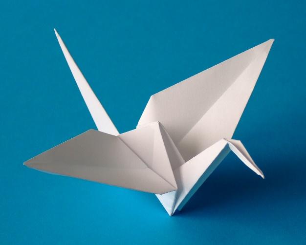 https://hotshowlife.com/wp-content/uploads/2016/01/Origami-crane.jpg