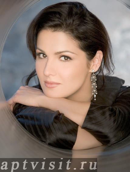 http://www.vipartist.ru/files/anna_netrebko_5.jpg