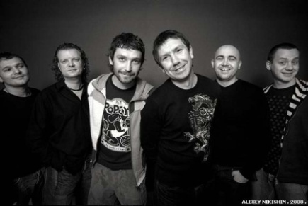 http://www.blackseanews.net/files/image/%2854-99-99-99%29/Gruppa_Uma2rmaH_IMG_7127-1_by_Alexey_Nikishin.jpg