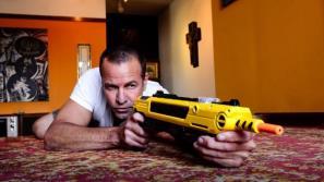 Солевое ружье - странный способ избавления от мух муха, оружие, соль