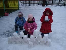 Картинки по запросу куличики из снега