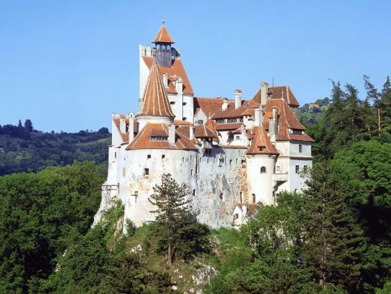 http://www.more-turiv.com.ua/wp-content/uploads/2014/11/bran-dracula-castle-romania.jpg