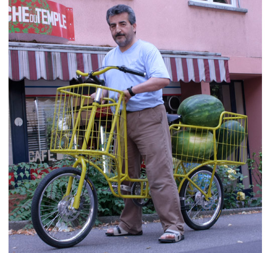 http://uabike.com/uploads/posts/1296288069_camioncyclettecargobicyclestransportgoodspeople1.jpg