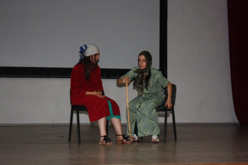 F:\день учителя фото-2012\День осетинского языка\img_0708 1600x1200.jpg