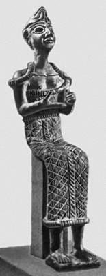 Статуэтка богини. Из Угарита. Бронза. 2-е тыс. до н. э. Лувр. Париж.