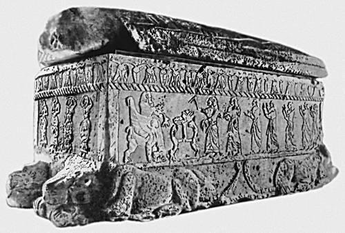 Саркофаг царя Ахирама. Из Библа. Камень. 10 в. до н. э. Национальный музей древностей. Бейрут.