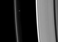 Прометей, спутник шестой планеты Солнечной системы