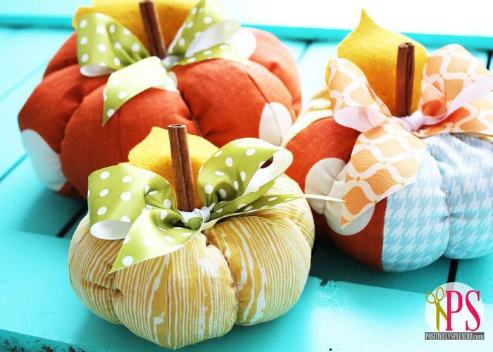 http://1.bp.blogspot.com/-zbw2LEa-XFw/UFaRmfd6juI/AAAAAAAAJRQ/CA6HWAvET6Q/s1600/plush+patchwork+pumpkins+5.jpg