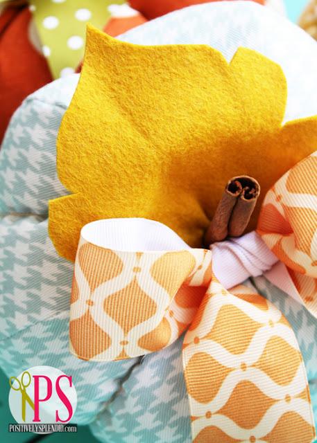 http://1.bp.blogspot.com/-R_0BxiNVnAA/UFaRkrBJX7I/AAAAAAAAJQ4/RAKjHJoHikU/s640/plush+patchwork+pumpkins+2.jpg